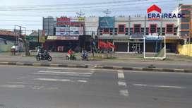 Ruko tengah kota siap pakai di jalan raya mangkang tugu semarang barat