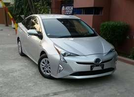 Toyota prius S safety plus