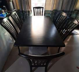 6 seater dinning table for sell
