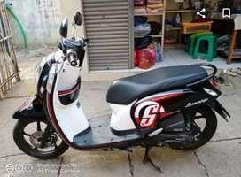 Honda Scoopy hitam putih di Djaya Motor Antasarii