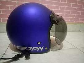Helm bogo warna ungu