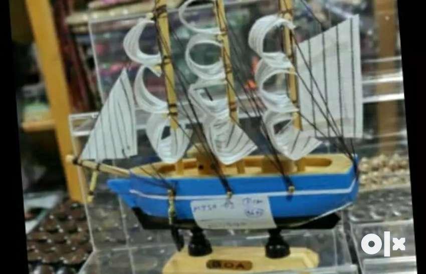 It's is Antique design boats 0