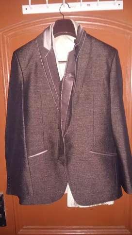 3-Piece Suit with Park Avenue Silk Shirt (Size-42)