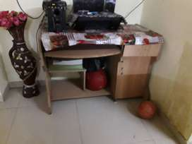 Wooden plywood Computer table Cheap price