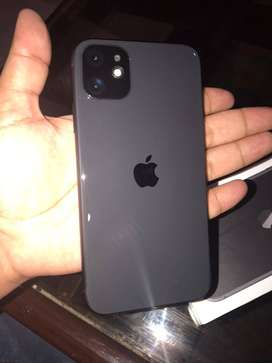 Iphone 11 | Black, 128 GBs | Under Apple Warranty