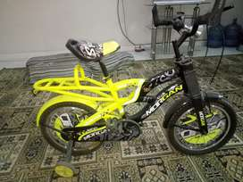 kids bicycle FINAL Rs.8,000 SY KUM WALY RABTA NHI KARY!!