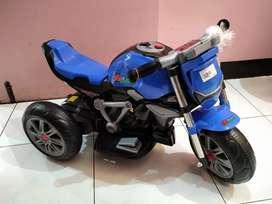 Mainan Anak Motor Aki Accu Motor Sport Roda 3 Musik 3196