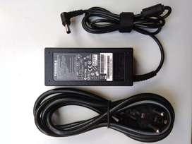 Jual Adaptor/Charger Laptop Toshiba Original Makassar