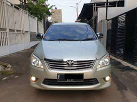 Innova G AT 2013 Silver, 1st Hand, Low Millage, Mint Condition