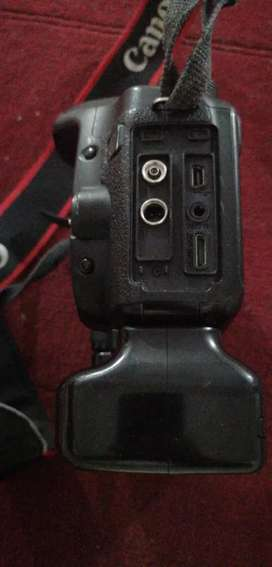 Canon 50d body with battery grip