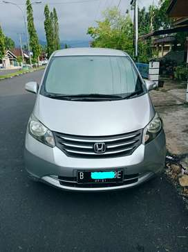 Honda freed PSD istimewa