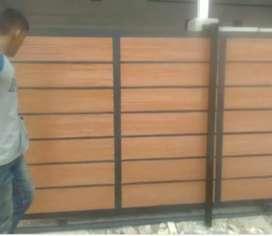 Pagar motif kayu kombinasi woodplank rangka besi galvanis anti karat