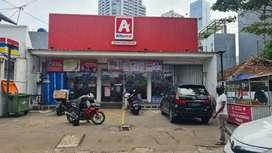 Dijual rumah strategis sebelah Ciputra World,sedang disewa Alfa Midi