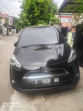 Dijual Toyota Sienta tipe V Murah