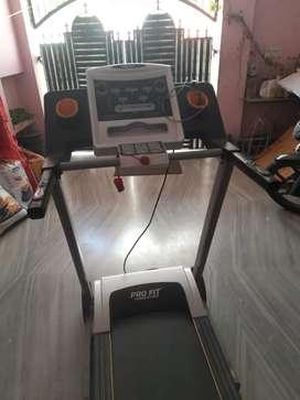 Pro fit treadmill PFT004