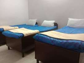 FULLY FURNISHED BOYS PG FOR BOYS WITH FOOD NEAR SECTOR 15-16-18 NOIDA
