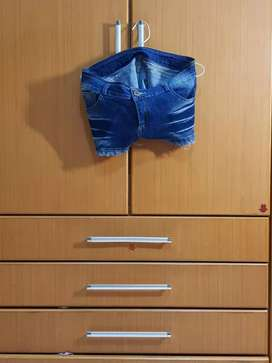 Cln pendek jeans baru pk 1 kali. Jual murah aj 40rb