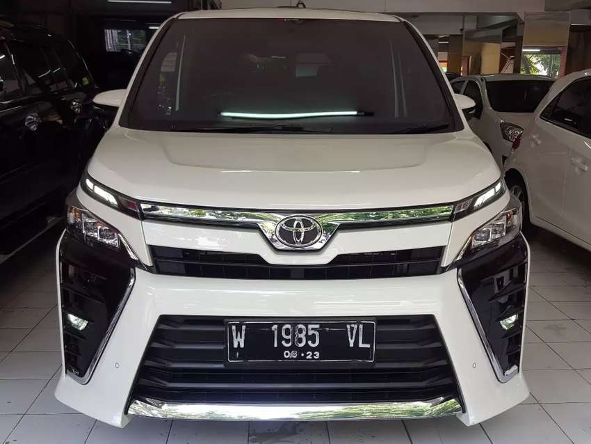 Toyota Voxy 2.0 Matic / At 2018 #Voxy putih#matic#Full orisinil#2018# 0