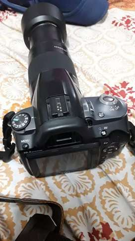 Sony N50 DSLR with lens