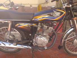 Honda 125 in good condition and single handed used