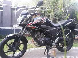 Bali dharma motor, jual Honda CB 150R THN 2013