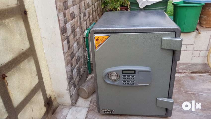 Digital/Electronic Sale Locker (almost new, flexible with price!!!) 0
