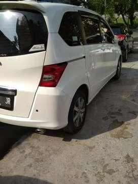Honda Freed PSD warna putih