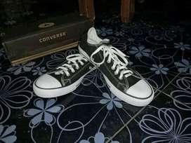 Sepatu Converse Size 42