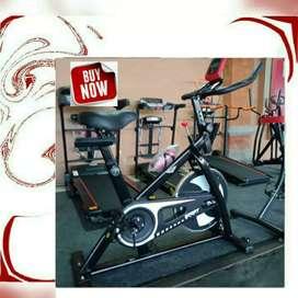 Peralatan olahraga terlengkap treadmill manual/spining bike black