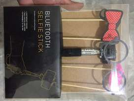 UK imported pin packed bluetooth selfiestick