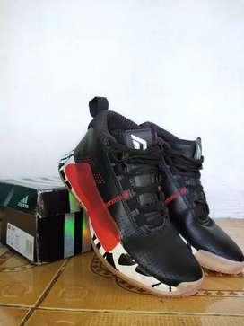 Sepatu basket adidas dame 5 cny black