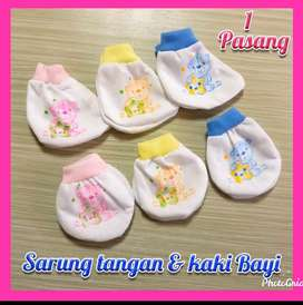 Sarung tangan dan kaki bayi