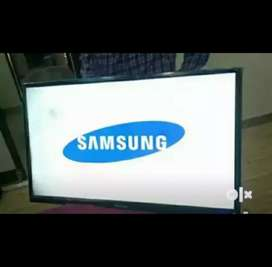 """40"""" smart 4k LED TV with warranty and delivery"""