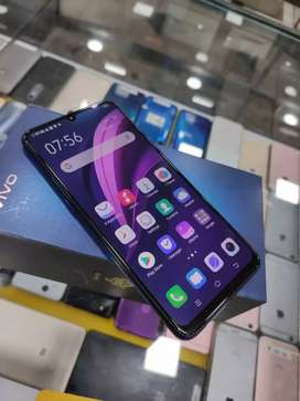 Vivo Z1x 6GB 64GB 10 days old at just 13900 only