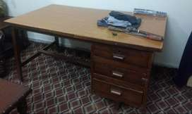 USED TABLE .