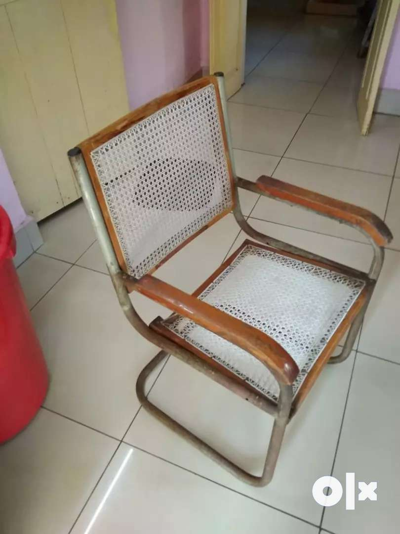 Cane seated S type chair 0