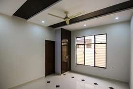 10 marla house for rent in faisal town