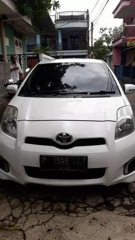 Toyota yaris E at