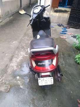 Mahindra  Gustro2016 Petrol Well Maintained.