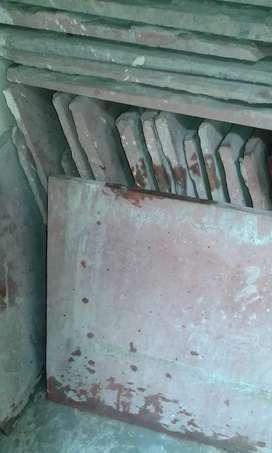"""Old 2x2 drive area tile thiknes 1"""" Total 40pcs"""