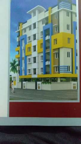 We r selling 2bhk flat, ready to launch