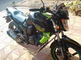 Yamha FZs - Well maintained and Single handed driven