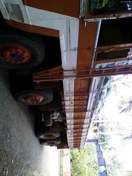 12 wheeler heavy goods lorry( 13 lacs)