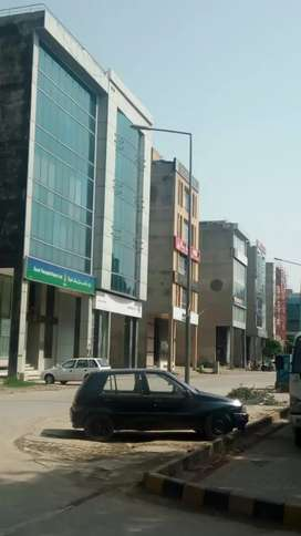 DHA 4,MARLA 2nd Floor Flat  Commercial  900 sq/Feet HOT  LOCATION