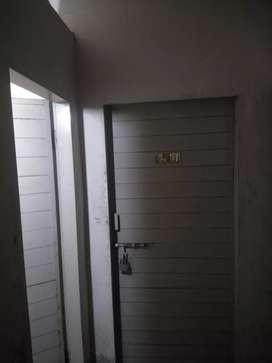 Room/hostel/flat for rent for males