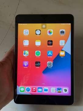 iPad Mini 4 16GB With Box