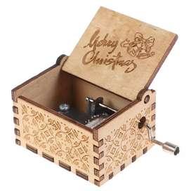 Kotak musik buat kado ato ulangtahun natal free ukir nama. Foto