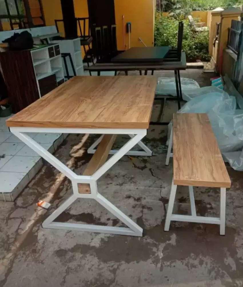 Set meja kursi- meja baca- meja kerja- set meja kursi taman 0