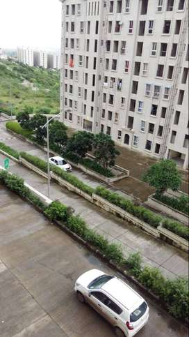 Available 2 BHK Flat On Rent