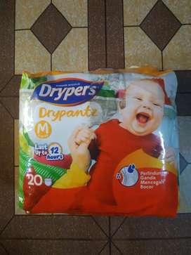 Popok Drypers ukuran M isi 20pcs Rp. 20.000